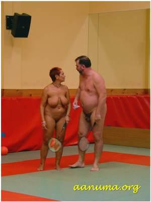 Jornada nudista de gimnasio en Burgos
